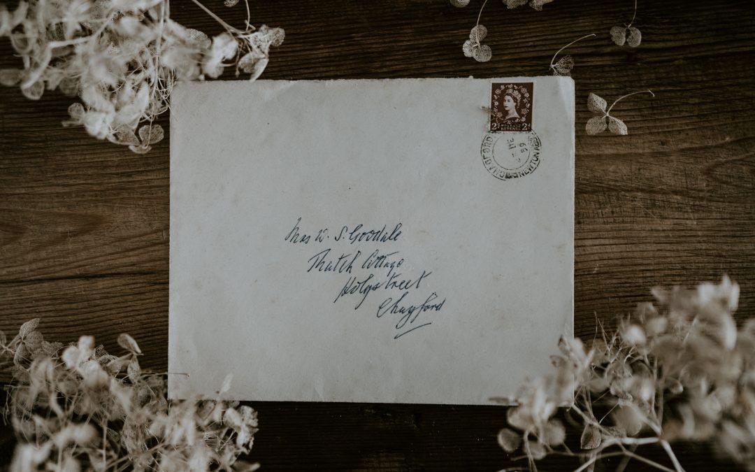Spostare l'attenzione dal francobollo alla busta