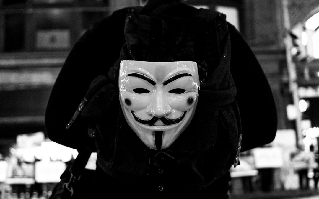 Chissà se un giorno butteremo le maschere