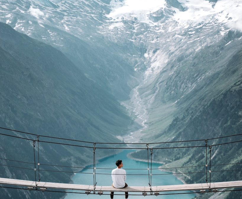Un ponte sulla normalità