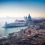Venezia adagio ma anche Milano lenta va bene